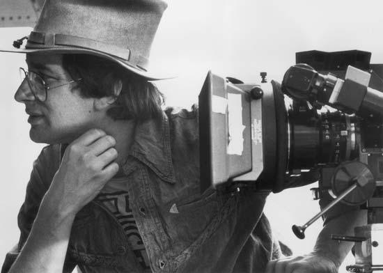 steven spielberg with camera ile ilgili görsel sonucu