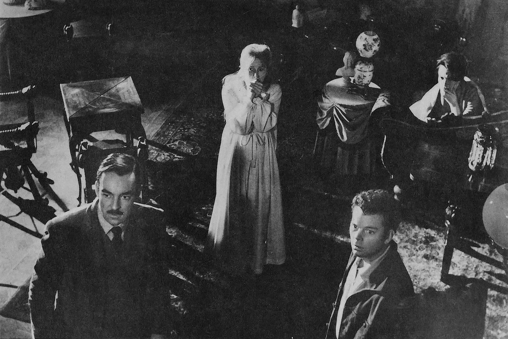 That old haunted house the haunting 1963 anti film school for Classic haunted house movies